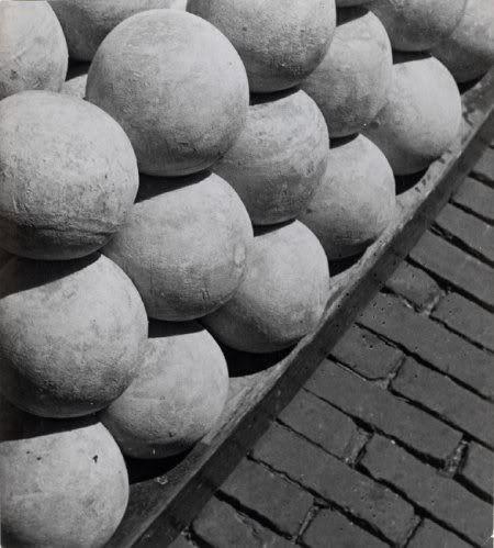 Eva Besnyo: Alkmaar, in de jaren '30.