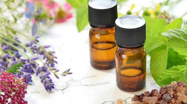 5 Cancer fighting Essential oil - uses; massage lavender, frankincense, peppermint, myrrh & turmeric