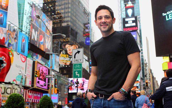 Steve Kazee in Times Square