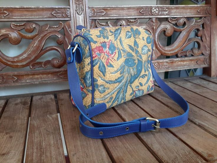 Sukma Sling Bag  3N Vintage mix Cow Leather  Inner Suede  Rp 650.000