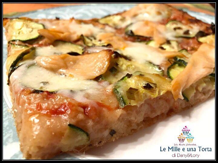 Non la classica pizza, ma molto di più… un impasto con l'80% di idratazione, soffice, alveolato e ad alta digeribilità! Provate la famosa pizza Bonci che oggi ho realizzato in stile classica Margherita e salmone e zucchine, ma che voi potete arricchire a seconda dei gusti e seguendo la vostra fantasia. Nella ricetta un ricco…