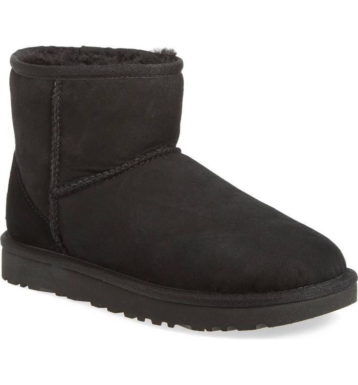 più economico 60434 98a8a Gigi Hadid Just Made Ugg Boots Look Chic for This Never ...