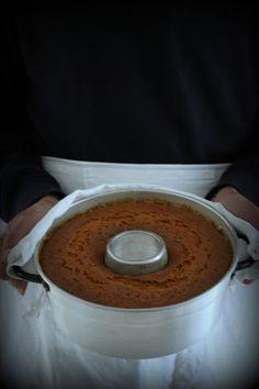 E' una torta che si prepara con purea di frutta, per bambini e grandi che non amano   i pezzetti di frutta ...
