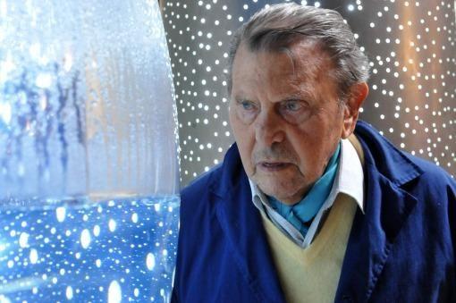 """""""Vivo de y para el arte"""", asegura Gyula Kosice a sus 90 años - Télam - Agencia Nacional de Noticias"""