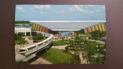 Walt-Disney-World-Epcot-Center-Universe-of-Energy-Monorail-Postcard-Vintage-1982
