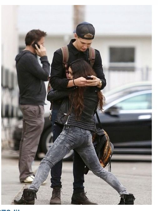 Cutest couple ever. Austin butler and Vanessa Hudgens