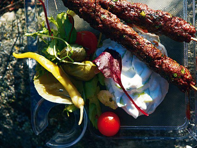 Farish kebab med tsatsiki | Recept.nu