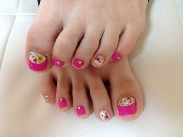 Simple toenail art design picture 2