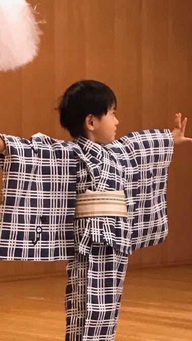 闘病中の妻・小林麻央さんを献身的に支えている歌舞伎役者の市川海老蔵さん。2児のパパとしても育児に奮闘しています。今年で4歳になる長男の勸玄くんは、歌舞伎界へのデビューの日が近づいています。 仕事と育児の両立で大変な海老蔵さんですが、息子を立派な歌舞伎役者に育てるため稽古にも、余念がありません。 いよ