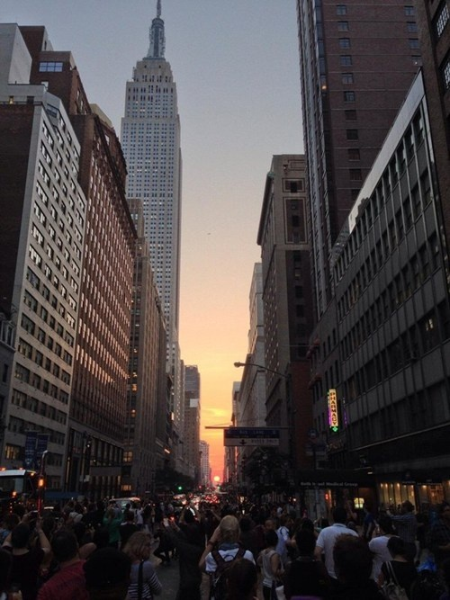 Once a year, the sun aligns its path with 34th street in New York, creating the coolest sunset you'll see in the city.