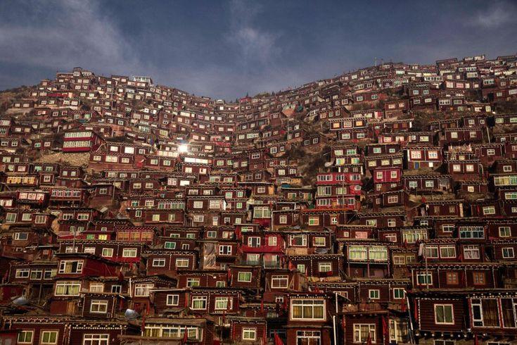 Fotos: Un recorrido por el centro budista más grande del mundo | Actualidad | EL PAÍS