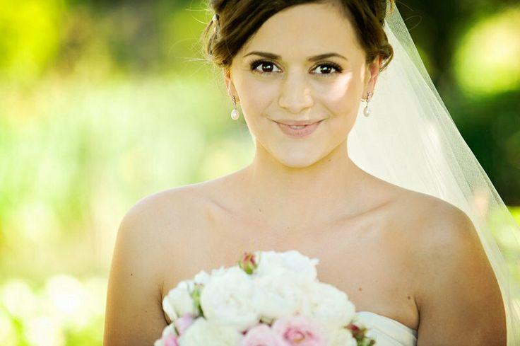 Natural wedding makeup by Sparkling Belle
