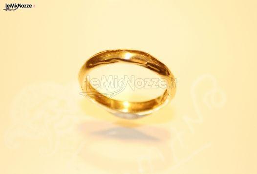 http://www.lemienozze.it/operatori-matrimonio/gioielli/germano/media/foto/7 Fedina di fidanzamento in oro giallo.