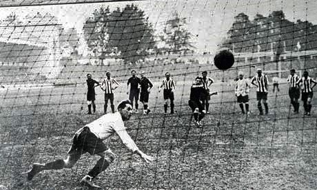 Image result for italians play football 1920