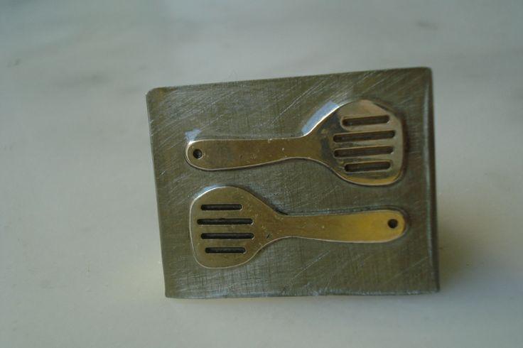 (8) δαχτυλίδι από αλπακά, με κουτάλες και υγρό γυαλί http://laxtaristessyntages.blogspot.gr/p/blog-page_2315.html