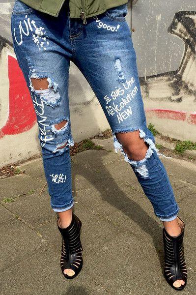 Graffiti ripped jeans online. Ripped met broeken, broek met gaten shop je bij Fashionjunks.com. Broek met gaten, ripped jeans, distressed denim.