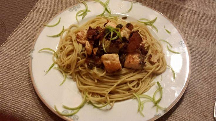 #FiberPasta Spaghetti con cubetti di salmone croccante all'olio di sesamo, zenzero e zeste di lime #fitness #alimentazione #mangiaresano #nutrizione #alimentazionesana #dietasana #benessere #salute #dimagrimento #dieta #sport #diabete #colesterolo