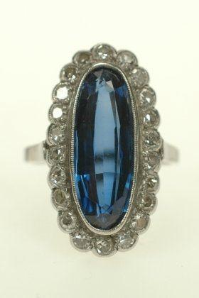 Platina ring met synth. saffier en diamant - Juwelen & Kunst - Sengers Juwelen, Kunst & Antiek Breda