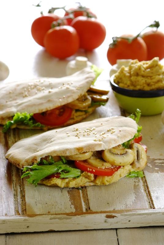 Pita Breads stuffed with sautéed mushrooms &  home-made hummus! A fabulous choice for #MeatFreeMonday