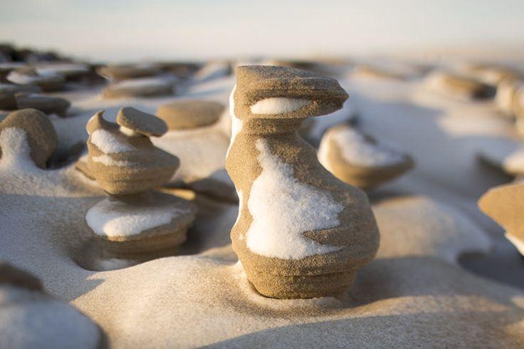 Абстрактные скульптуры из песка, созданные природой / Joshua Nowicki