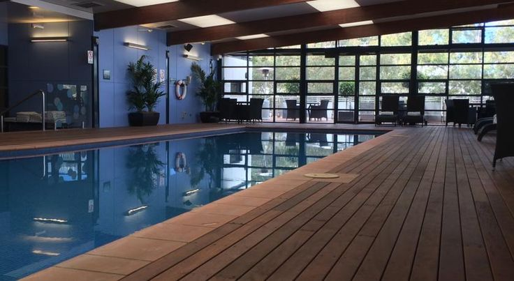 Novotel Canberra Canberra Offering premium hotel accommodation in the centre of Canberra, Novotel Canberra offers a renovated indoor swimming pool, a hot tub and a sauna. All rooms offer cable TV and a minibar.