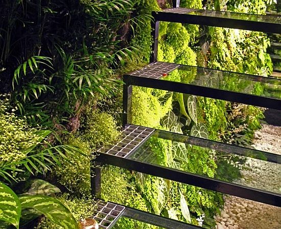Beautiful Eco Tech: U0027Vertical Gardeneru0027 Designs An High Vertical Garden With Plants    Ecofriend