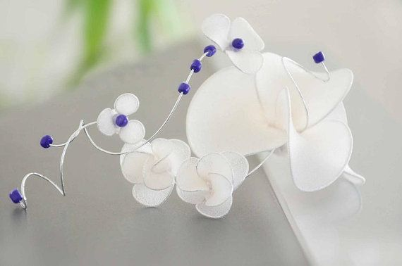 Bridal hair clip Romantic headpiece in ivory / white with something blue Hair jewellery Wedding fascinator Hair comb flower hair pin by #MyArtDeco