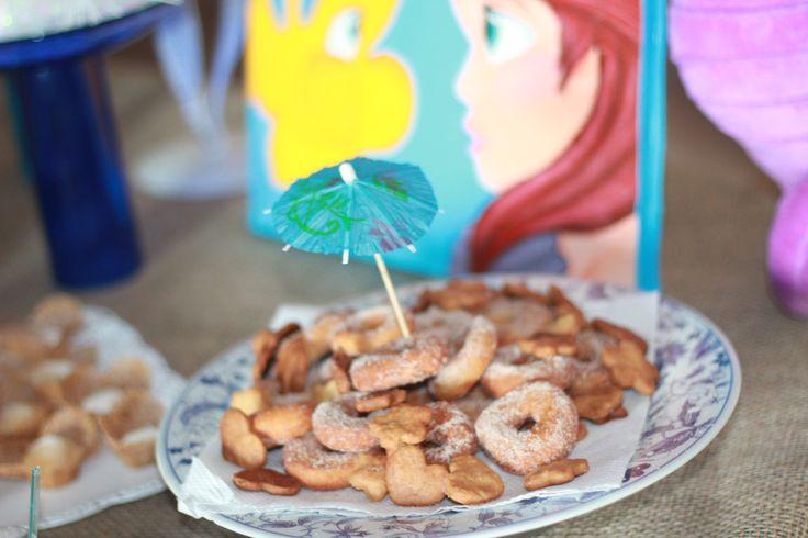 Rosquinha de açucar e canela e biscoitos amanteigados,receita da vovó. Festa pequena sereia:Ariel