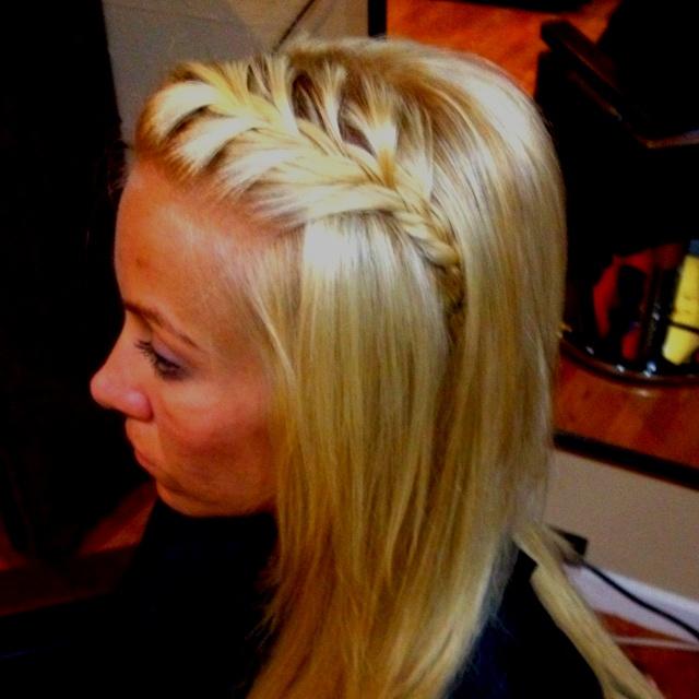 Easy braid ;): Hair Ideas, Hair Beautiful, Hair 3, Easy Hair, Hair Nails Makeup Beautiful, Beautiful Hair Braids, Faith Hairstyles, Hair Makeup Beautiful, Hair Bows Styl