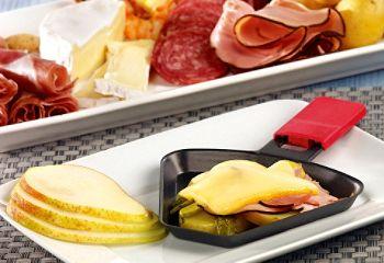 Une bonne #raclette entre amis: un des petits plaisirs de l'hiver!