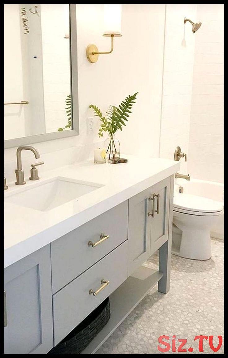 34 Inspirierende Ideen Fur Die Sanierung Von Badezimmern Mit Kleinem Budget Mit Bildern Kleines Badezimmer Umgestalten Badezimmer Umgestalten Minimalistisches Badezimmer