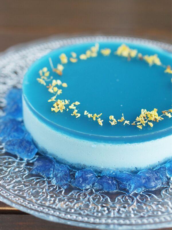 ブルームーンムースローケーキ ライチとキンモクセイ香る不思議なスイーツです。