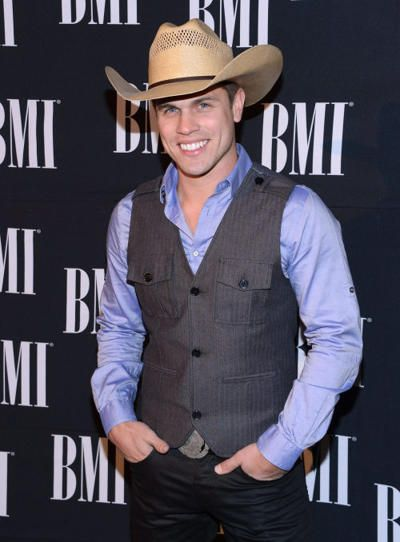 Amanda Mertz And Dustin Lynch Pin On Dustin Lynch Find amanda mertz's contact information, age, background check, white pages, civil records, marriage history, divorce records known as: amanda mertz