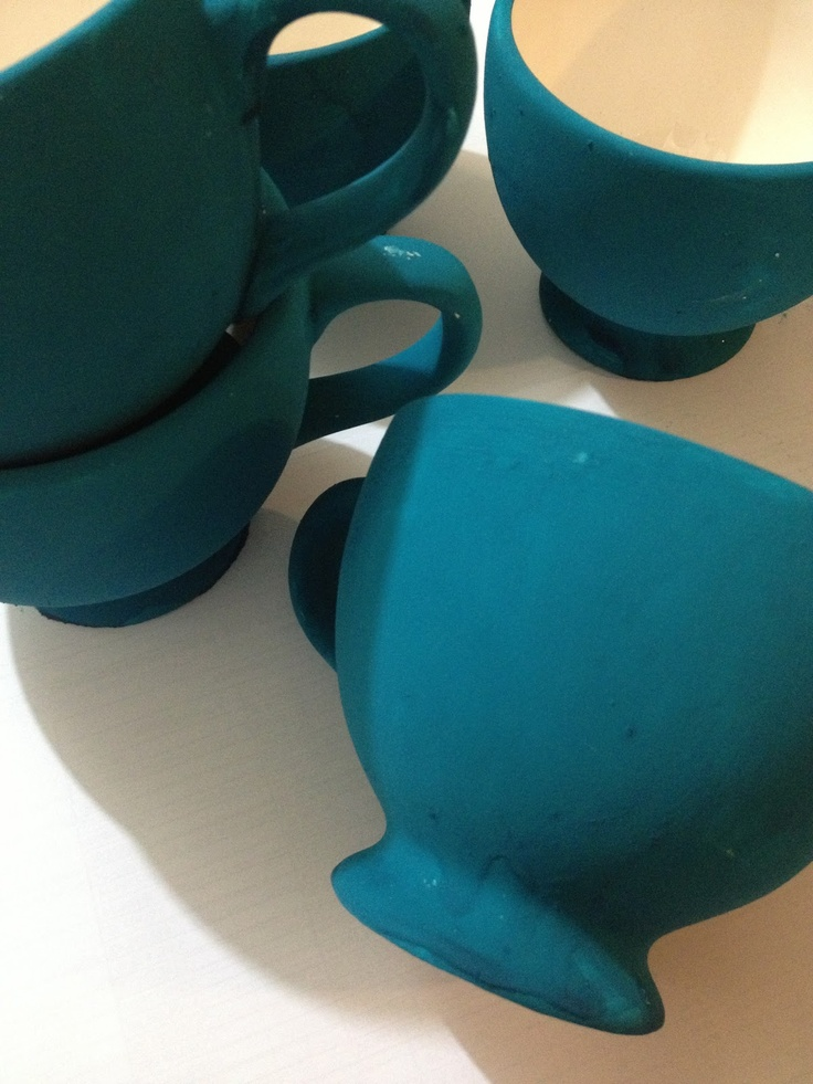 DIY Chalkboard Painted Cups Using Poster Colour