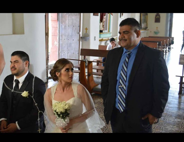 Casada o no de Chuy Lizarraga con Banda Sinaloense.