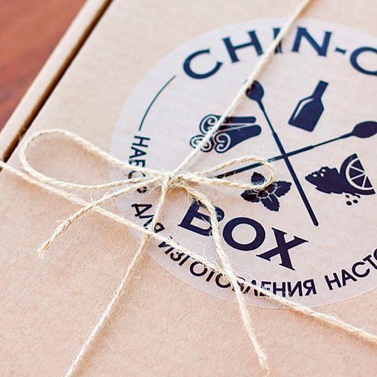 Продолжаем праздновать, набор для вермута по-каталонски будет вам в этом помогать. НАБОР ДЛЯ ПРИГОТОВЛЕНИЯ CHIN-CHIN BOX - ВЕРМУТ ПО-КАТАЛОНСКИ Артикул: R1866 https://razverni.com/catalog/goods/nabor-dlya-prigotovleniya-nastoyki-chin-chin-box-vermut-po-katalonski/