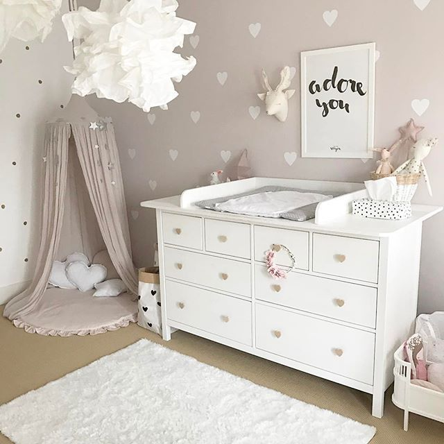 die besten 25 babyzimmer wandgestaltung ideen auf. Black Bedroom Furniture Sets. Home Design Ideas