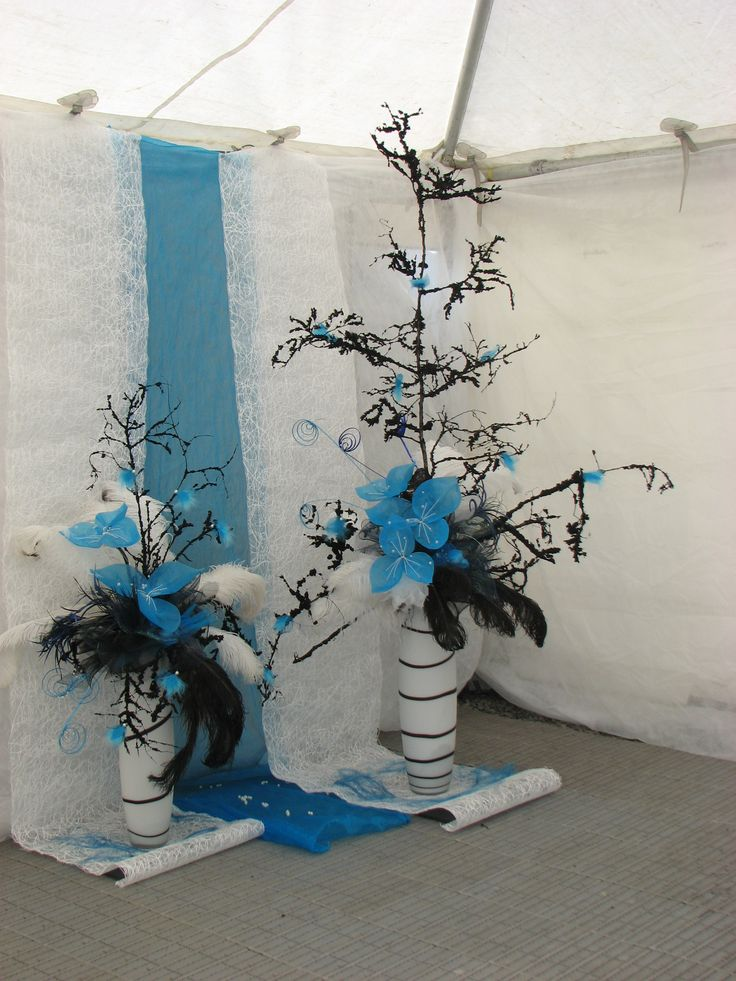 Black beech and hand crafted turquoise flowers with ostrich feather. Fabulous combination for the World Ploughing Competition held in Methven. Liz and I loved working on this.