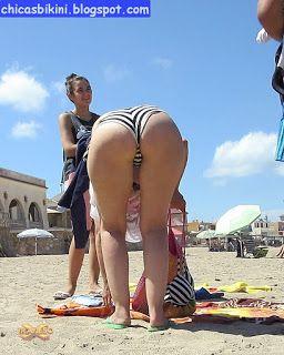 madura culona en bikini