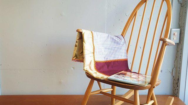 LeO ATLaNTE mulch cloth  #レオアトランテ #クロス #ファブリック #ソファカバー #テーブルクロス #カーテン #刺繍 #ギンガムチェック #モロッコ #フランス #アーコール #ロッキングチェア #インテリア #暮らし #杉並区 #阿佐ヶ谷 #古一  モロッコに住むフランス出身のふたりのデザイナーが手がけるブランドレオアトランテ ヨーロッパのファブリックにひとつひとつモロッコの伝統刺繍を手刺繍で施しています お部屋にポップなアクセントを  #leoatlante #clothes #cover #fabric #embroidery #france #morocco #curtain #ginghamcheck #bird #interior #ercol #rockingchair  古一 阿佐ヶ谷店 TEL 03-5356-7362 Address 166-0001 東京都杉並区阿佐ヶ谷北1-28-8 芙蓉コーポ103 古一では無料の出張見積を行っております 杉並区世田谷区目黒区武蔵野市新宿区等の東京近郊に無料にてお見積もりにお伺いします…