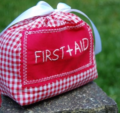 First Aid kit Yes now i want to ditch the plastic box and have one like this , soo cute.