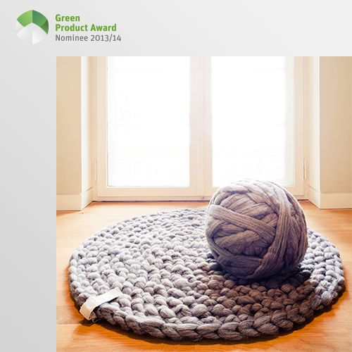 4th place Professionals Green Product Award 2013/14, category Home Accessories: ‹mariemeers› is a label from Potsdam, founded in September 2012. The designer produces handmade organic certified carpets, seat cushions and baskets from pure untreated wool. The one of a kind items are made exclusively of wool from humanely kept Brandenburg sheep. After shearing, the wool is only washed and combed.