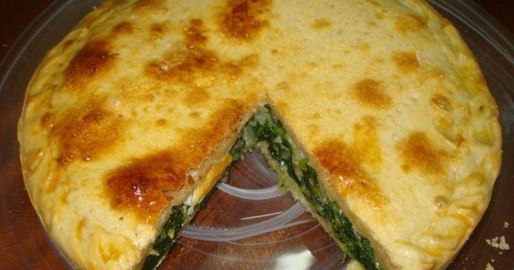 Fabulosa receta para Tarta pascualina de espinacas. La masa de esta tarta es casera y su relleno es de espinaca, queso parmesano rallado y huevos. Sencilla y riquísima.