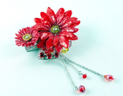 Red Aster & Daisy Pendant Sarah Blue real flower jewellery collections
