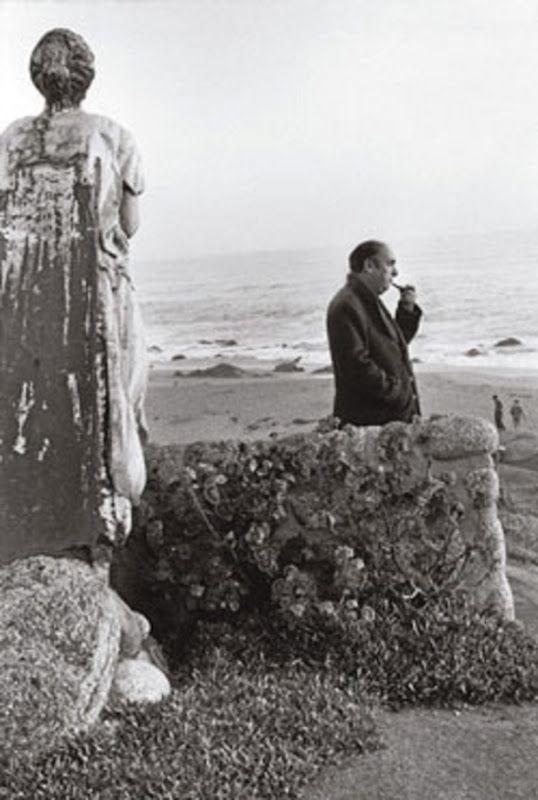 Sergio Larrain Echeñique (foto de Pablo Neruda).- remind me of the film the post.