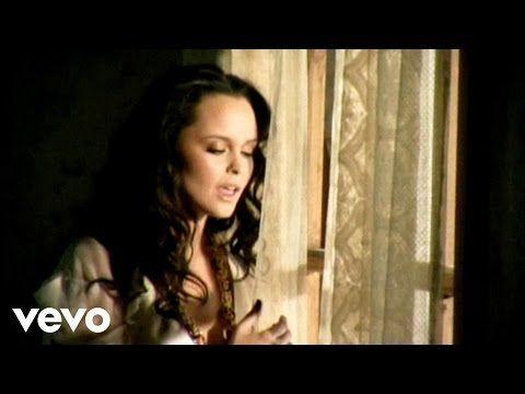 Bustamante, Shaila Dúrcal - No Debió Pasar - YouTube