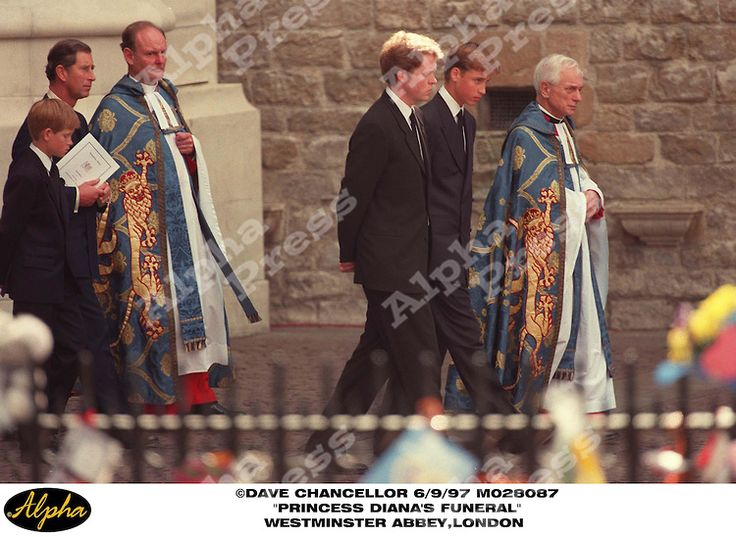 """06/09/97 """" DIANA PRINCESS OF WALES FUNERAL """" PRINCE HENRY , PRINCE CHARLES , EARL OF SPENCER AND PRINCE WILLIAM AT WESTMINSTER ABBEY IN LONDON"""