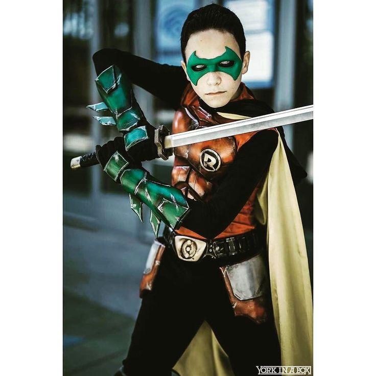 nightwing damian wayne cosplay - photo #4