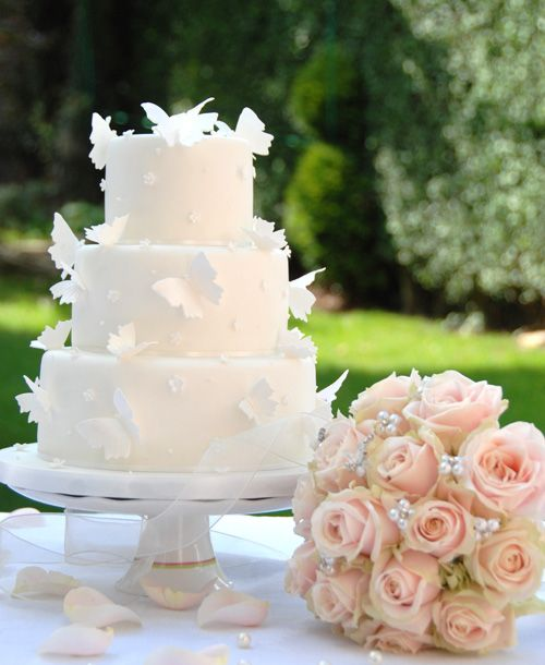 butterfly wedding cake by Pretty Cakes of London