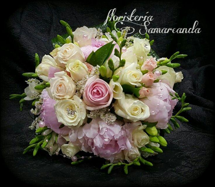 #RamoDeNovia #Rosas #Peonia #Fresia #FloristeríaSamarcanda